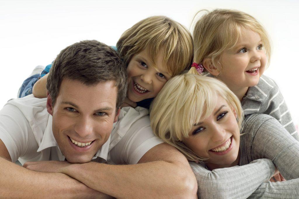 iStock_Happy-Family-Large-size